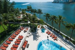 miami-pool-beach-boat
